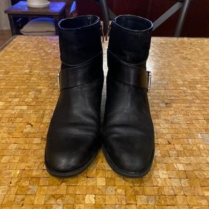7.5 Vince Camuto Booties